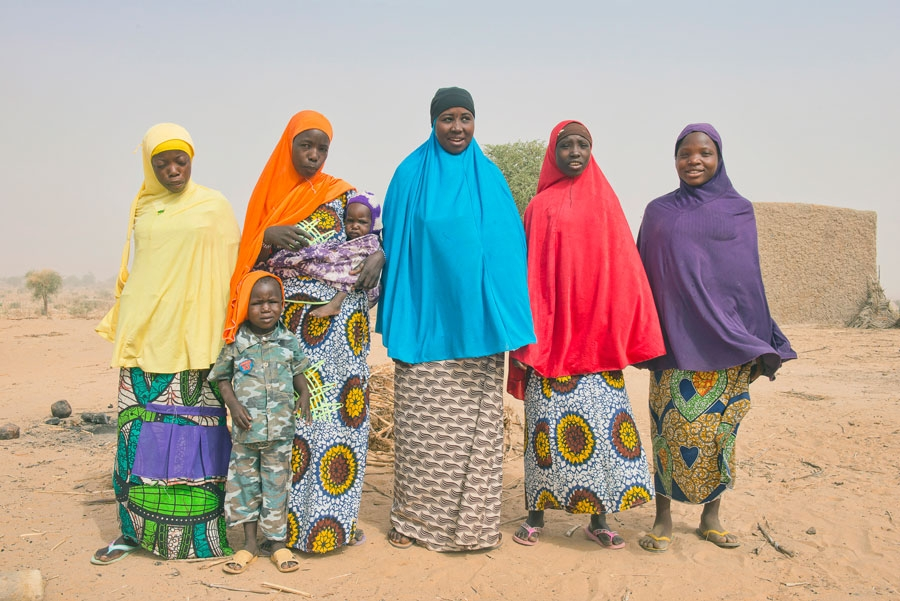 <p>Women in the village of Gao Maye, near Zinder, Niger.</p>